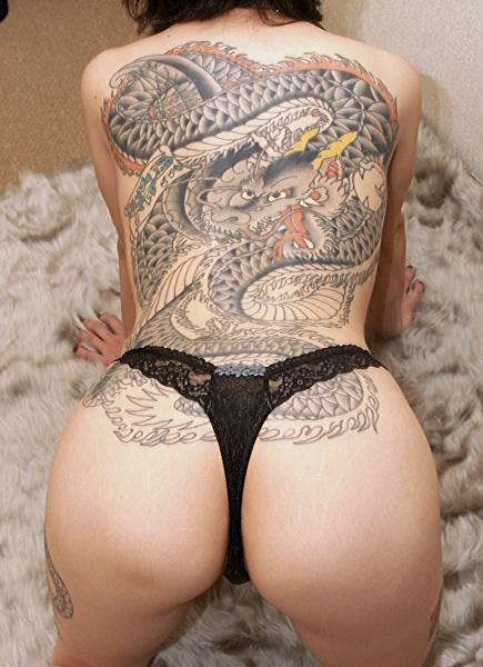 【ヌード画像】身体にタトゥーを入れた美女たちのヌード画像(33枚) 08