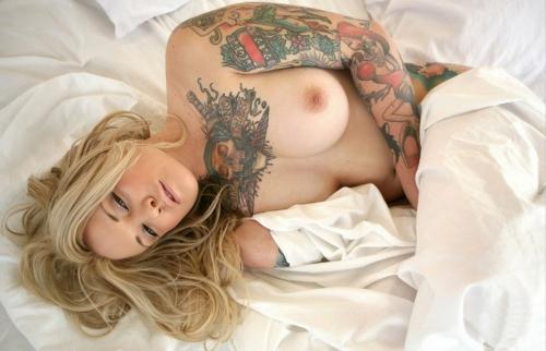 【ヌード画像】身体にタトゥーを入れた美女たちのヌード画像(33枚) 19