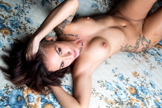 【ヌード画像】身体にタトゥーを入れた美女たちのヌード画像(33枚) 24
