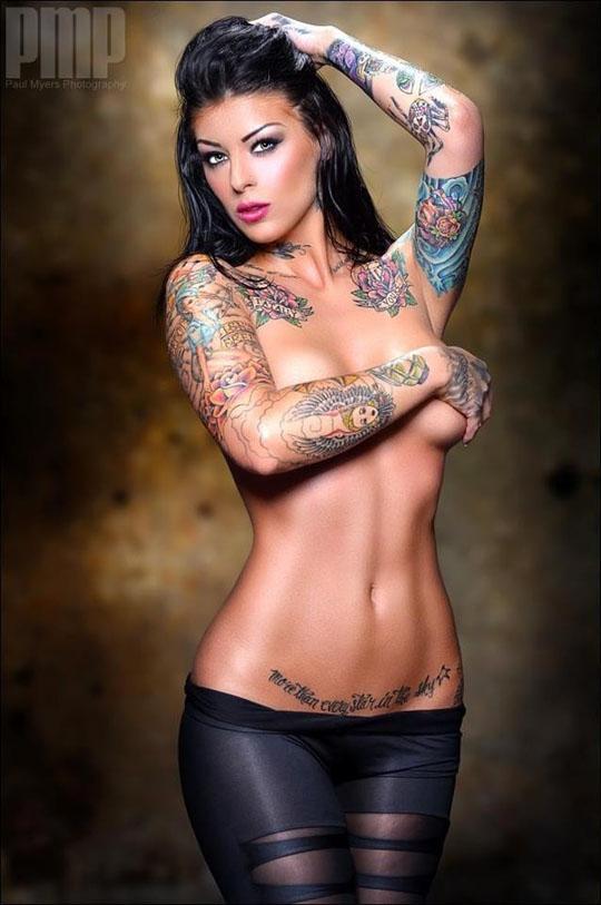 【ヌード画像】身体にタトゥーを入れた美女たちのヌード画像(33枚) 25