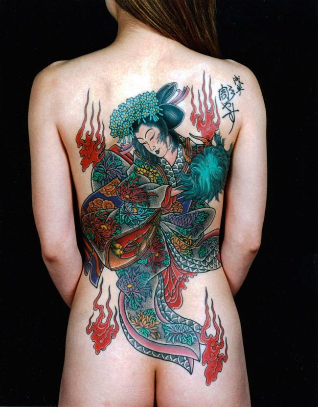 【ヌード画像】身体にタトゥーを入れた美女たちのヌード画像(33枚) 26