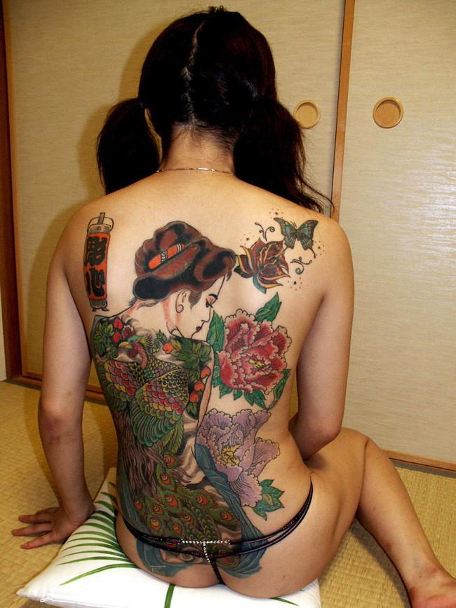 【ヌード画像】身体にタトゥーを入れた美女たちのヌード画像(33枚) 28