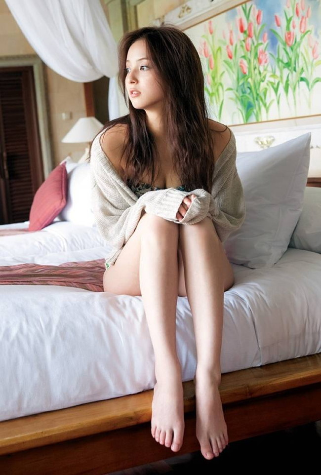 【ヌード画像】エロさと美しさを兼ね備えた脚線美の魅力(32枚) 11