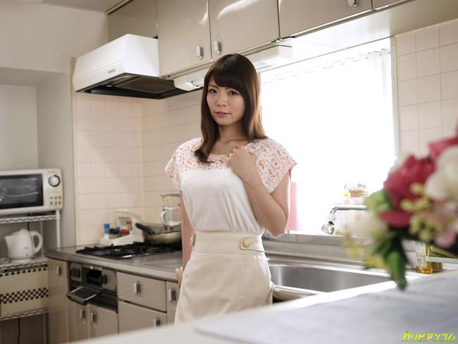 【ヌード画像】セクシー女優の新婚さん姿がエロ可愛いw(37枚) 25