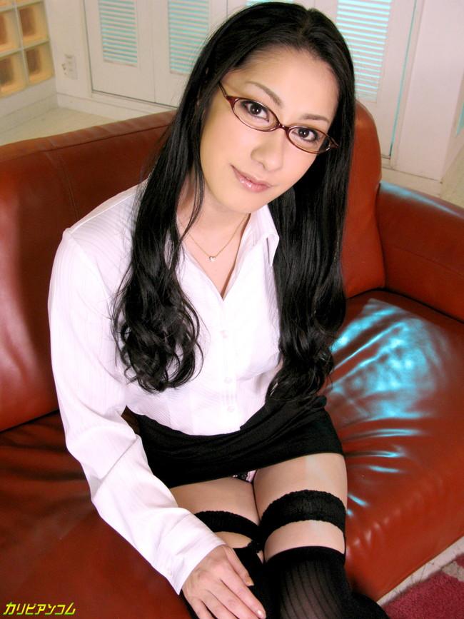 【ヌード画像】メガネ美女の知的さ抜群のヌード画像(30枚) 24