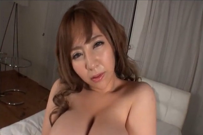 【ヌード画像】新山らんのKカップ110cmの超乳がインパクトありすぎw(35枚) 27