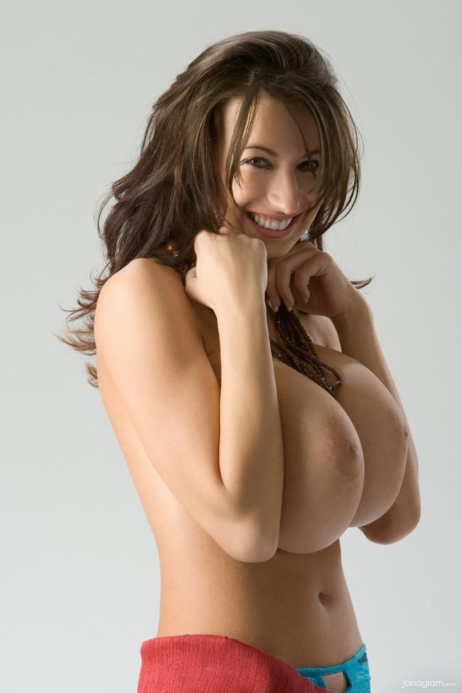【ヌード画像】外国人美女のデカパイが大きいうえに美しいw(30枚) 30