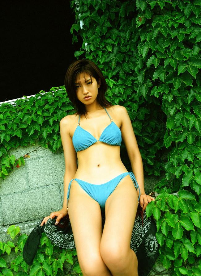 【ヌード画像】伝説級のグラビアアイドル!森下千里のセクシー画像(30枚) 02