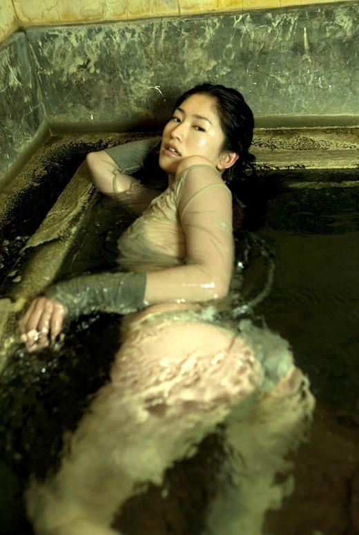 【ヌード画像】伝説級のグラビアアイドル!森下千里のセクシー画像(30枚) 16