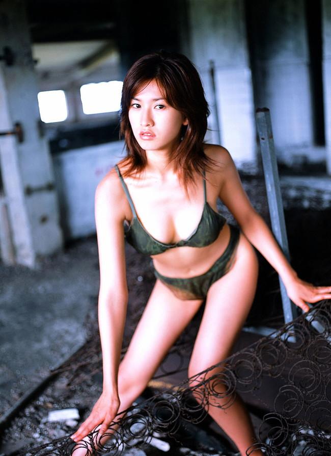 【ヌード画像】伝説級のグラビアアイドル!森下千里のセクシー画像(30枚) 24