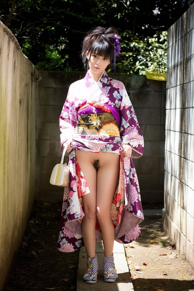 【ヌード画像】和服美女たちの半脱ぎ姿が艶めかしいw(31枚) 23