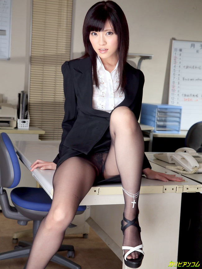 【ヌード画像】百合川さらさんの美乳スレンダーボディに大興奮w(30枚) 22