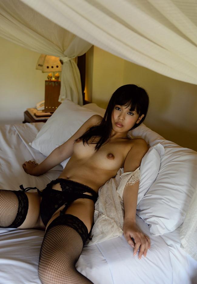 【ヌード画像】紗藤まゆの美乳エロ乳首が特徴的なヌード画像(31枚) 10