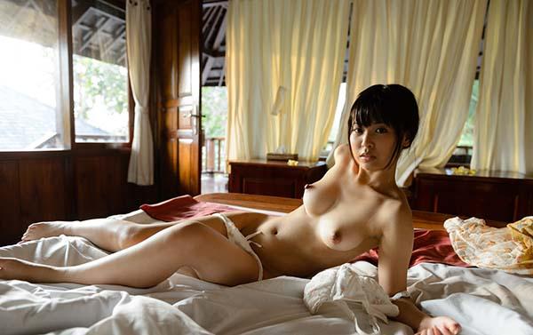 【ヌード画像】紗藤まゆの美乳エロ乳首が特徴的なヌード画像(31枚) 22