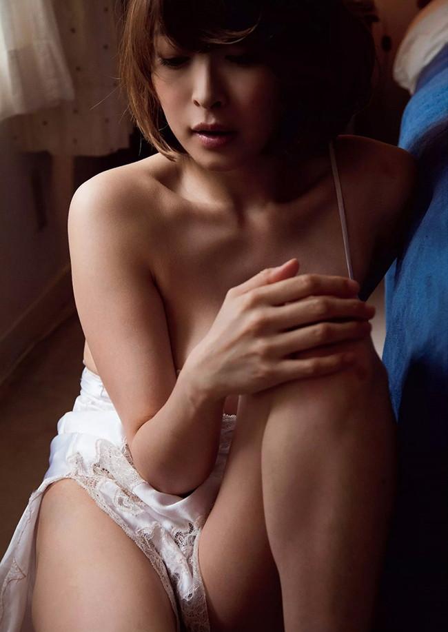 【ヌード画像】夏目ナナのスレンダー美人ヌード画像(32枚) 03