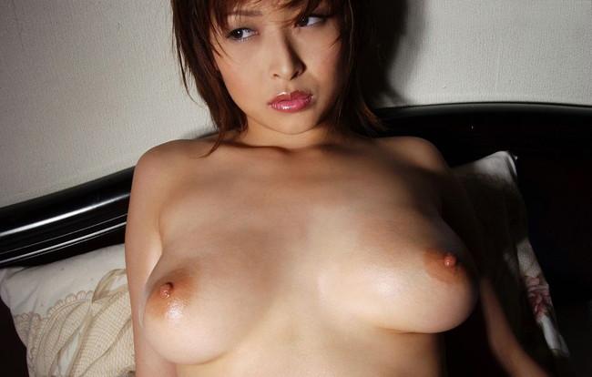 【ヌード画像】夏目ナナのスレンダー美人ヌード画像(32枚) 17
