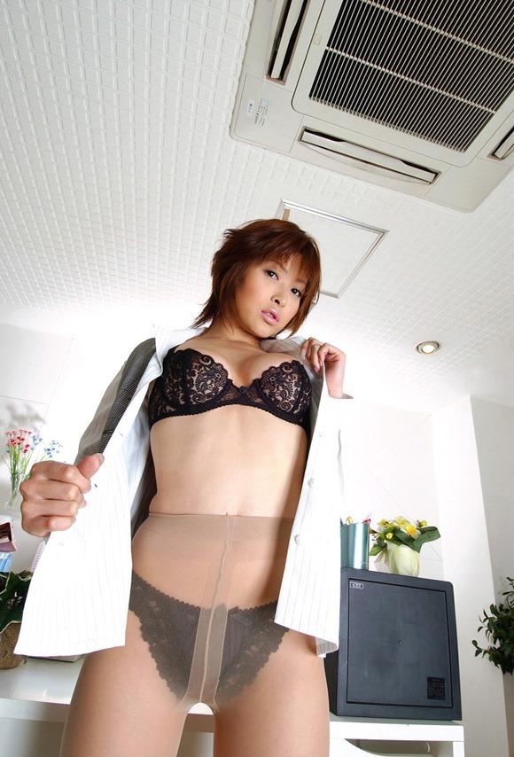 【ヌード画像】夏目ナナのスレンダー美人ヌード画像(32枚) 31