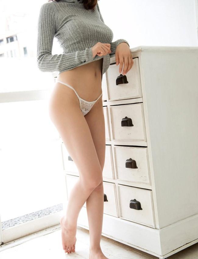 【ヌード画像】生足がエロすぎる女の子たちの画像集めたったw(30枚) 24