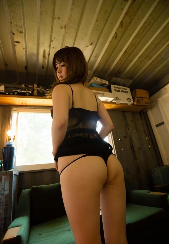 【ヌード画像】種類豊富なパンティに目移りしそうw(32枚) 15