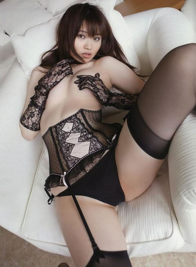 【ヌード画像】美女の黒下着姿が色気ありすぎな件(33枚) 01