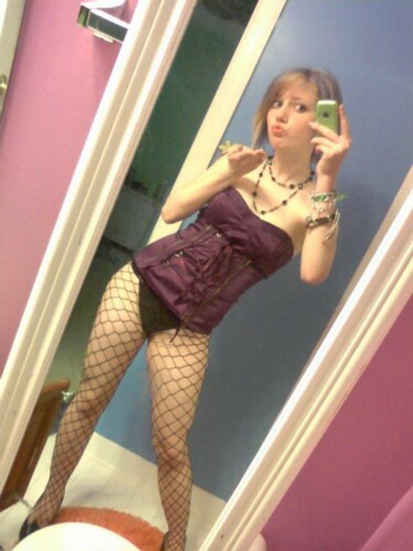 【ヌード画像】コルセット美女たちのエロ姿がぐうしこw(30枚) 20