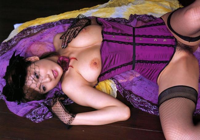 【ヌード画像】美女たちの紫下着姿が妖艶すぎて下僕になりたくなるw(32枚) 16