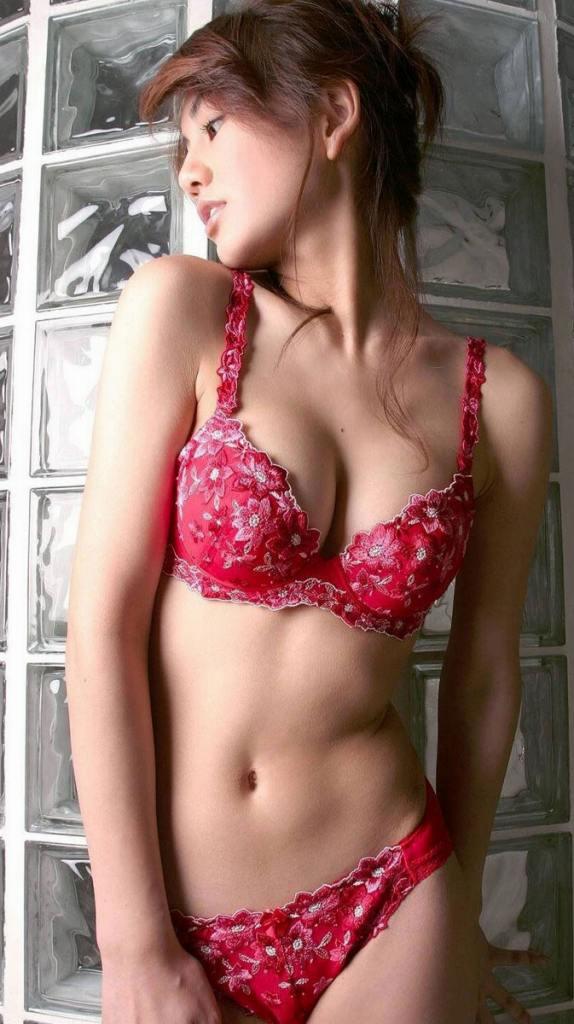 【ヌード画像】美女の赤い下着姿が情熱的すぎw(33枚) 33