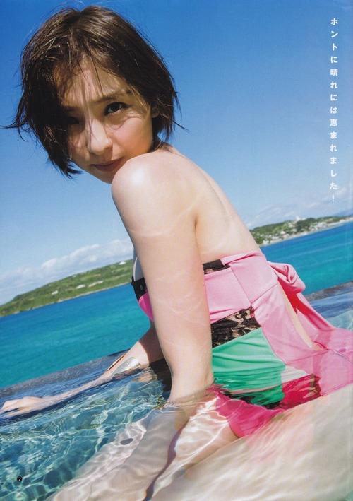 【ヌード画像】AKB卒業生、篠田麻里子のスレンダーなセクシーグラビア画像(30枚) 25