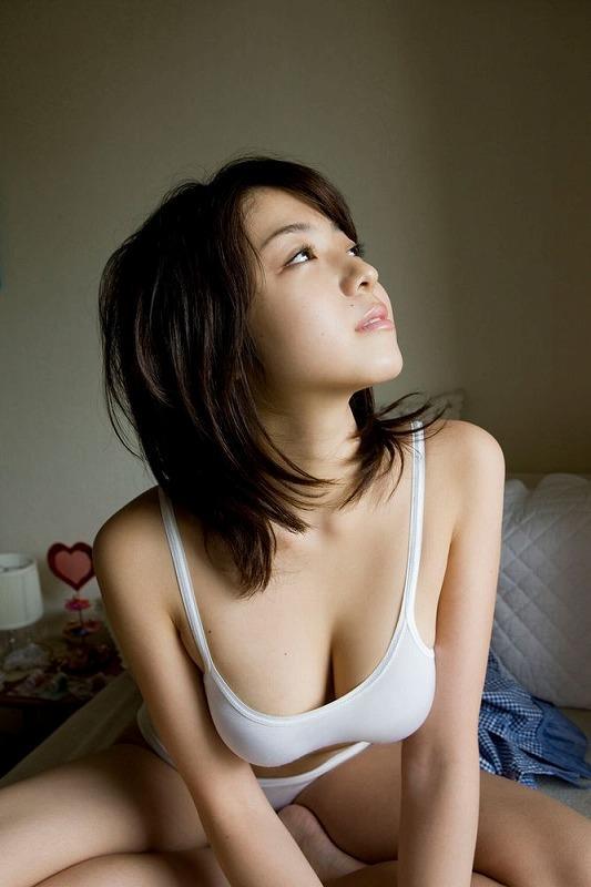 【ヌード画像】美女の純白下着姿には清純さと淫乱さが同居していますw(31枚) 04