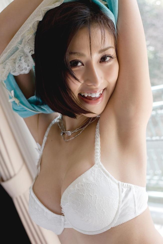 【ヌード画像】美女の純白下着姿には清純さと淫乱さが同居していますw(31枚) 23