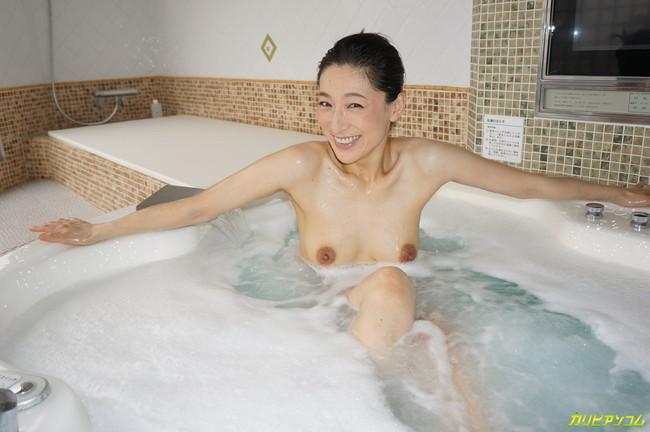 【ヌード画像】松本まりなの妖しく艶めかしい美熟女ヌード画像(33枚) 24