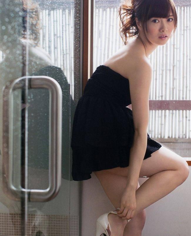 【ヌード画像】白い肌が魅力的!白石麻衣のセクシー画像(30枚) 03