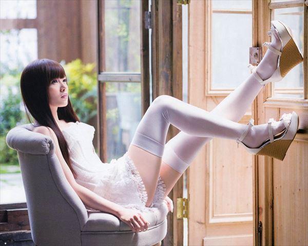 【ヌード画像】白い肌が魅力的!白石麻衣のセクシー画像(30枚) 09