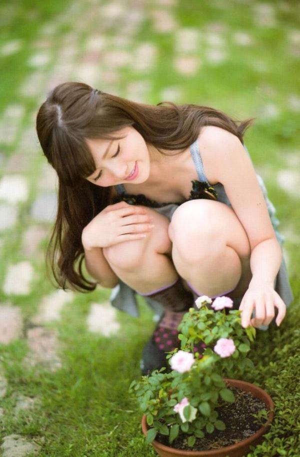 【ヌード画像】白い肌が魅力的!白石麻衣のセクシー画像(30枚) 24
