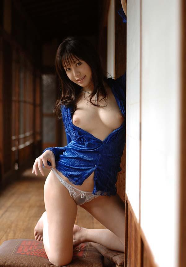 【ヌード画像】竹内あいの美白美巨乳ヌード画像(33枚) 03