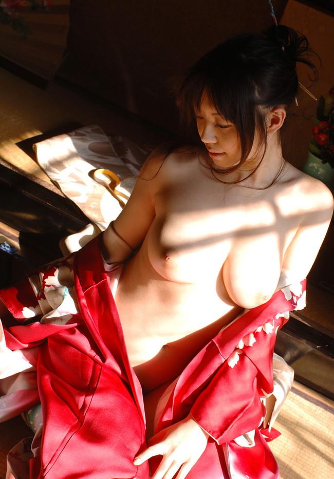 【ヌード画像】竹内あいの美白美巨乳ヌード画像(33枚) 09