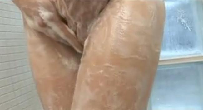 【ヌード画像】宮崎リナのナイスバディ―なFカップ巨乳ヌード画像(30枚) 24