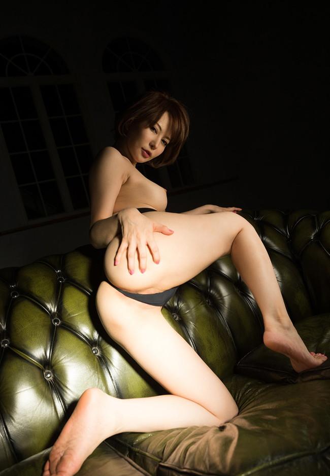【ヌード画像】里美ゆりあの色白肌と美乳に心を奪われそうw(33枚) 20