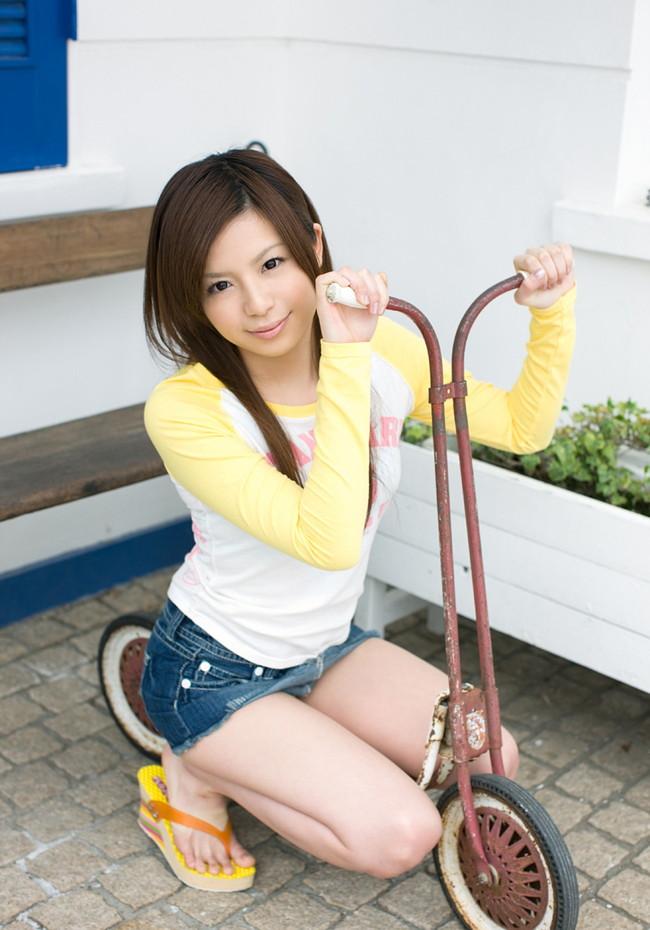 【ヌード画像】栗林里莉のミニマムボディがエロ可愛いw(31枚) 03