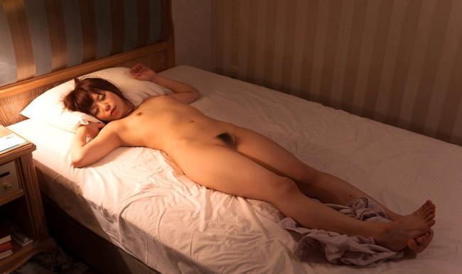 【ヌード画像】栗林里莉のミニマムボディがエロ可愛いw(31枚) 25
