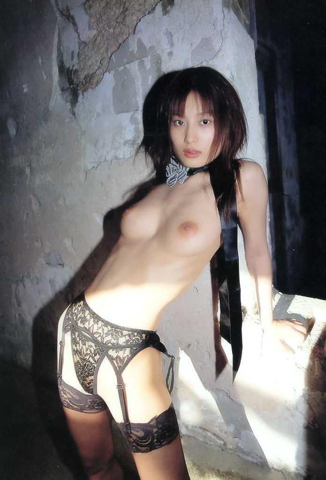 【ヌード画像】美竹涼子の長身スレンダーボディが美しいw(32枚) 31