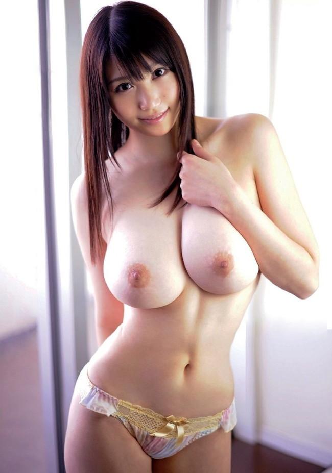 【ヌード画像】美女がさらす生おっぱいのエロさは異常w(30枚) 11