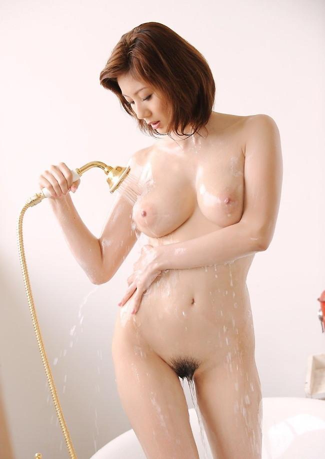 【ヌード画像】濡れる髪!下の毛!、はじける水しぶき!やっぱりシャワーのヌード画像が一番エロいぜ!(50枚) 08