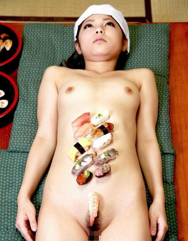 【ヌード画像】バブル時代の置き土産、女体盛りヌード画像がアホすぎてエロすぎる!(50枚) 03