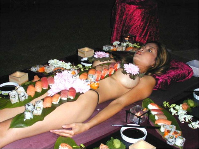 【ヌード画像】バブル時代の置き土産、女体盛りヌード画像がアホすぎてエロすぎる!(50枚) 12