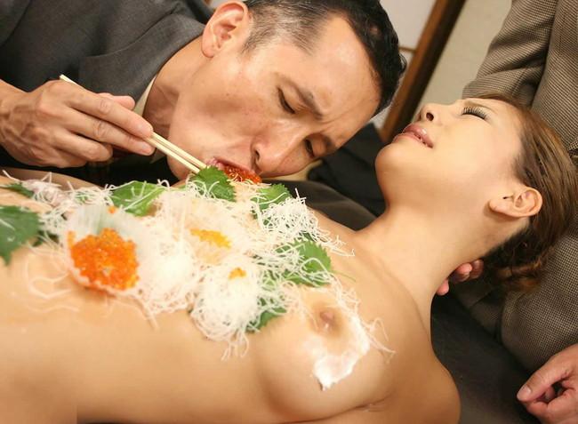 【ヌード画像】バブル時代の置き土産、女体盛りヌード画像がアホすぎてエロすぎる!(50枚) 15