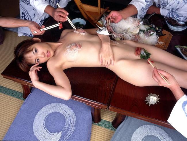 【ヌード画像】バブル時代の置き土産、女体盛りヌード画像がアホすぎてエロすぎる!(50枚) 19