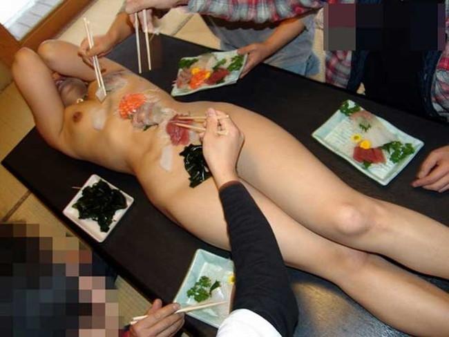【ヌード画像】バブル時代の置き土産、女体盛りヌード画像がアホすぎてエロすぎる!(50枚) 41
