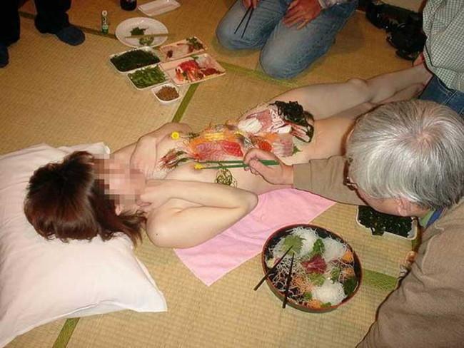 【ヌード画像】バブル時代の置き土産、女体盛りヌード画像がアホすぎてエロすぎる!(50枚) 43