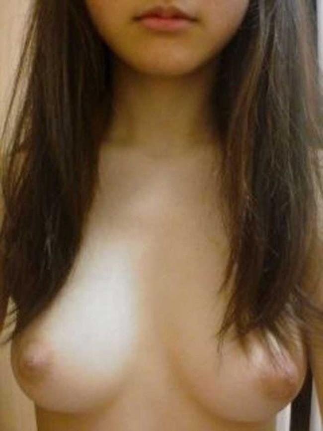 【ヌード画像】素人が鏡越しに自撮りしてるヌード画像が最高にエロい!自宅感丸出しのヌける素人画像を集めてみました。(50枚) 21